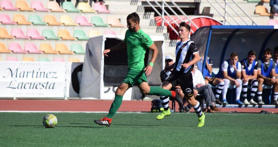 El Burgos CF arranca un punto ante el Haro con diez jugadores 9