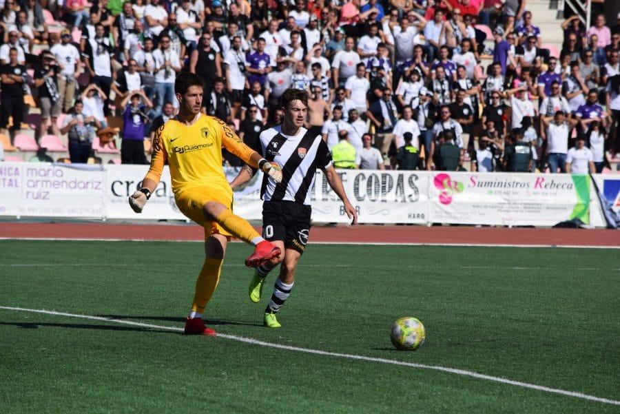 El Burgos CF arranca un punto ante el Haro con diez jugadores 11