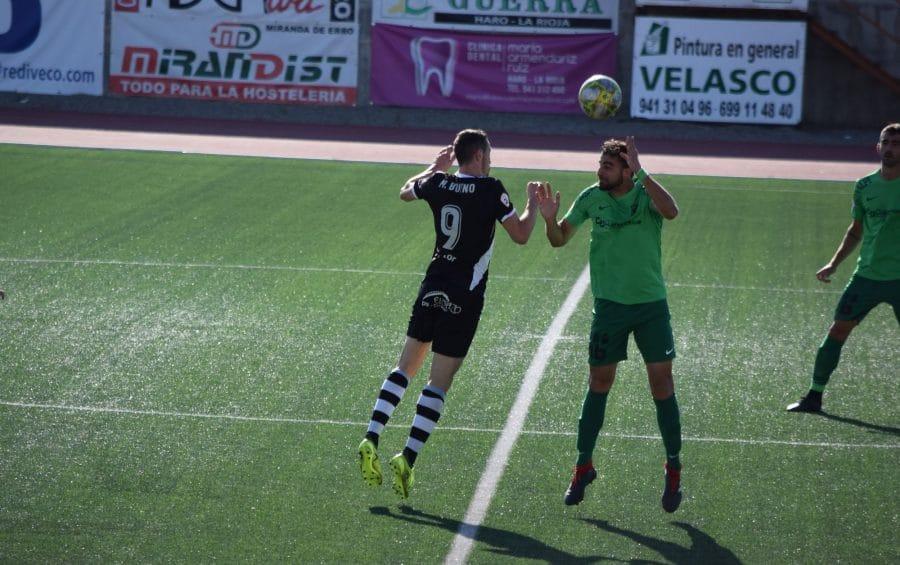 El Burgos CF arranca un punto ante el Haro con diez jugadores 13