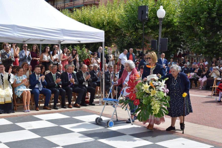 Haro se echa a la calle para honrar con flores a la Virgen de la Vega 67