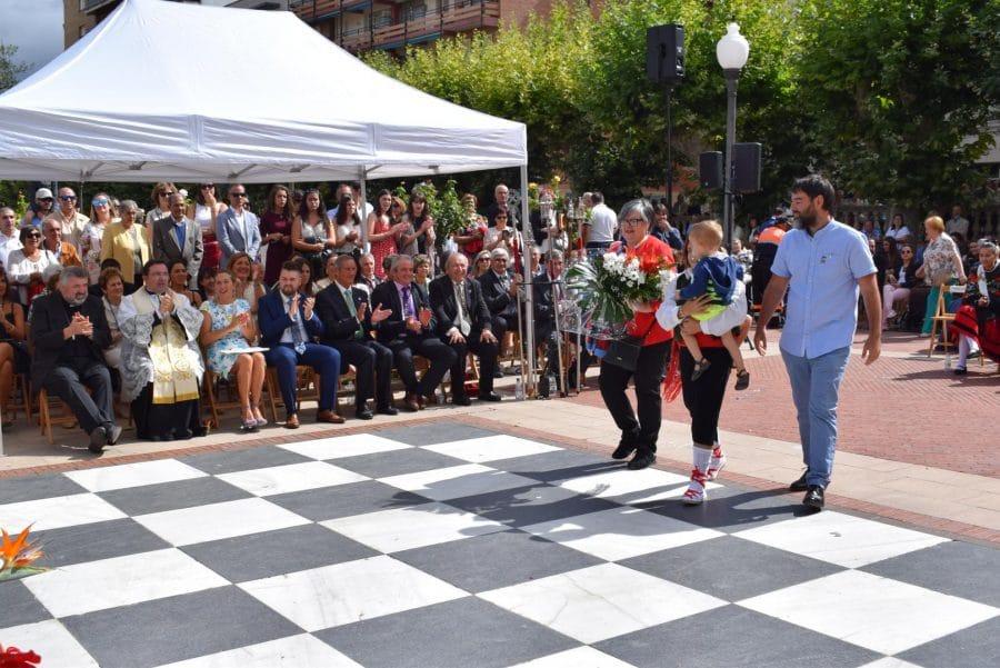 Haro se echa a la calle para honrar con flores a la Virgen de la Vega 69
