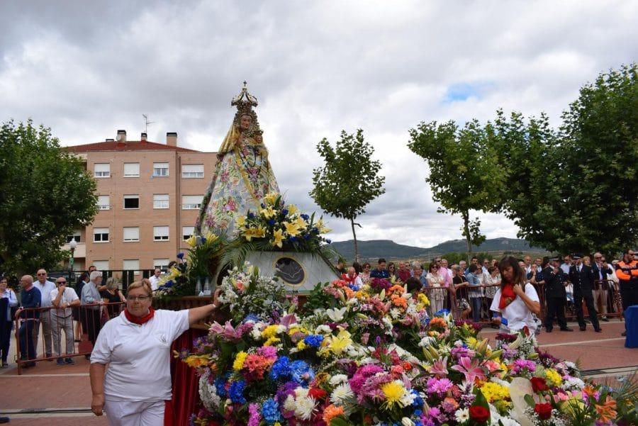 Haro se echa a la calle para honrar con flores a la Virgen de la Vega 76