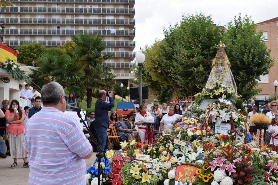 Haro se echa a la calle para honrar con flores a la Virgen de la Vega 78
