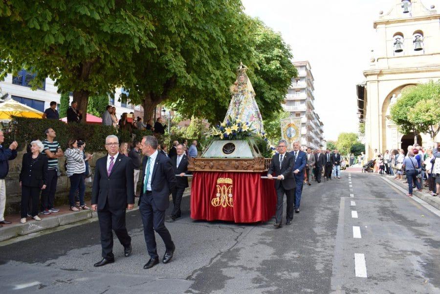 Haro se echa a la calle para honrar con flores a la Virgen de la Vega 12