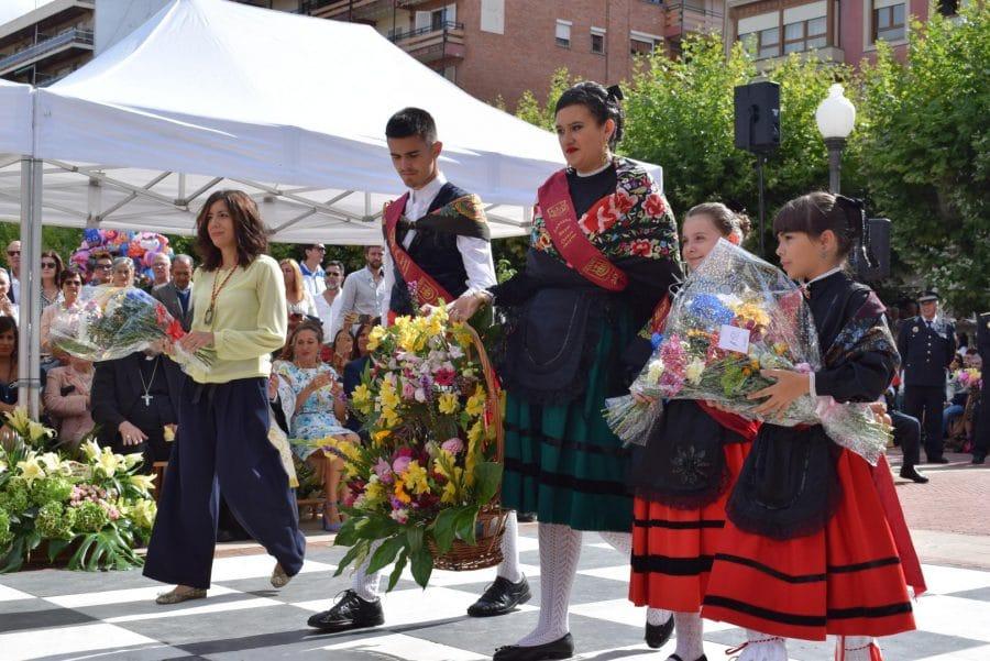 Haro se echa a la calle para honrar con flores a la Virgen de la Vega 33