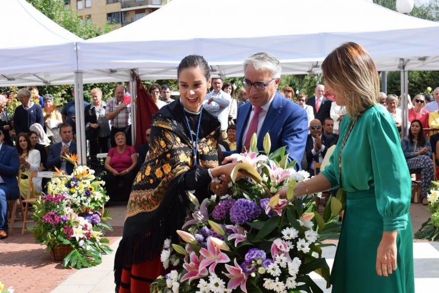 Haro se echa a la calle para honrar con flores a la Virgen de la Vega 34