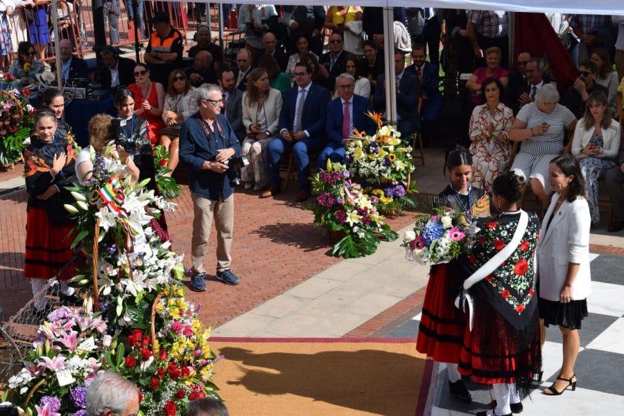 Haro se echa a la calle para honrar con flores a la Virgen de la Vega 36