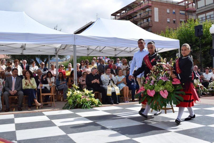 Haro se echa a la calle para honrar con flores a la Virgen de la Vega 37