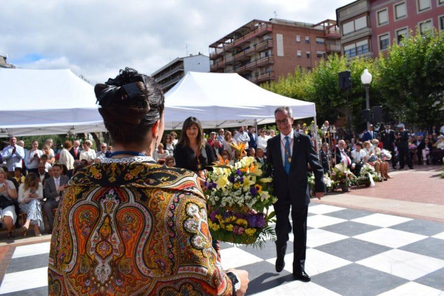 Haro se echa a la calle para honrar con flores a la Virgen de la Vega 42