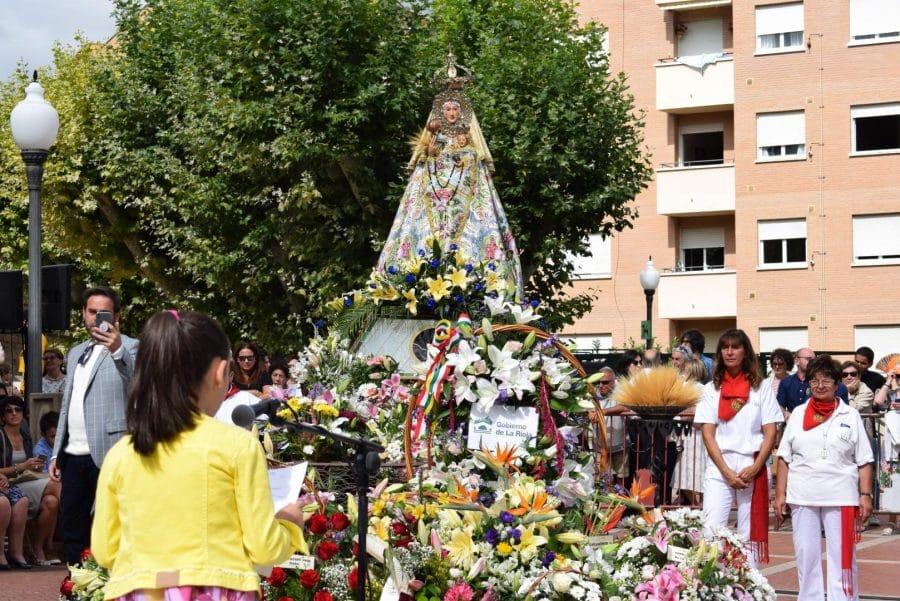 Haro se echa a la calle para honrar con flores a la Virgen de la Vega 53