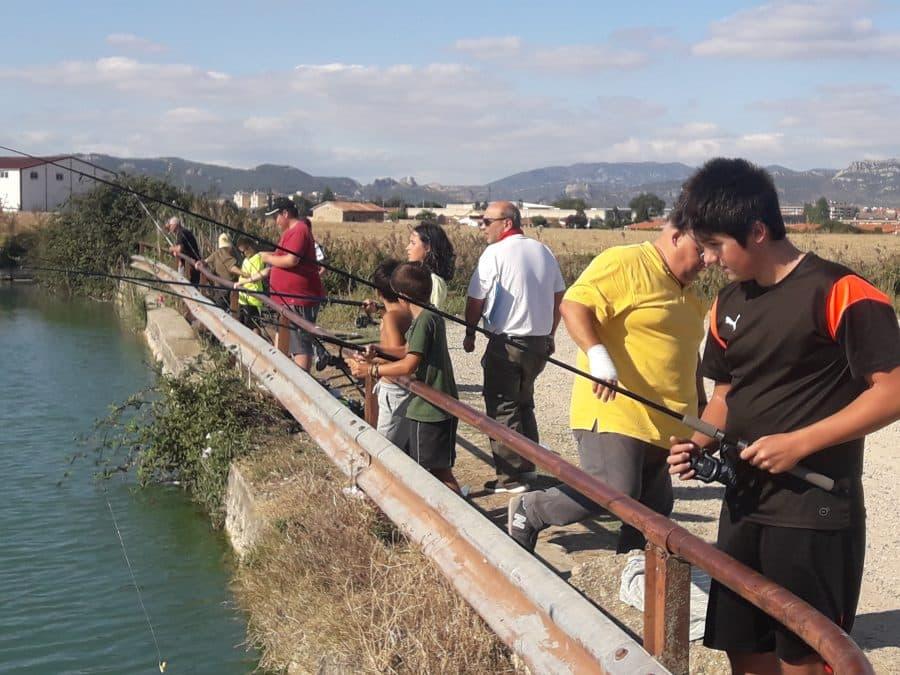 Más de 40 participantes en las pruebas de pesca infantil de la Sociedad Riojalteña de Caza y Pesca 2