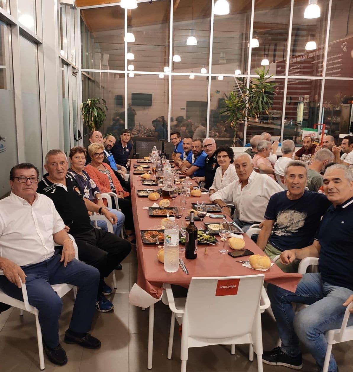 Los Veteranos del CD Logroñés revalidan la Copa Rioja a beneficio de Cruz Roja 1
