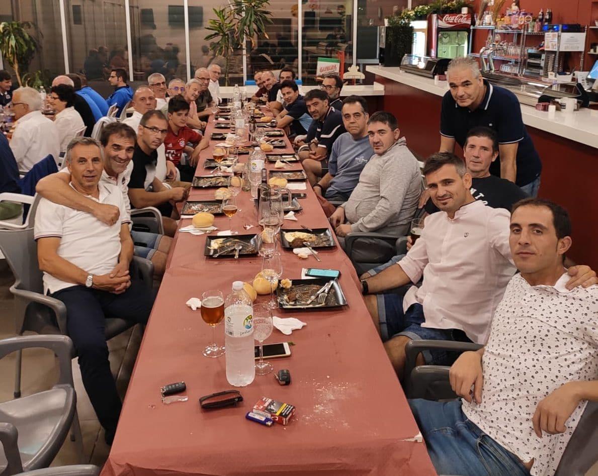 Los Veteranos del CD Logroñés revalidan la Copa Rioja a beneficio de Cruz Roja 2