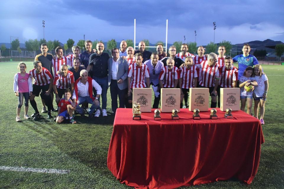 Los Veteranos del CD Logroñés revalidan la Copa Rioja a beneficio de Cruz Roja 3