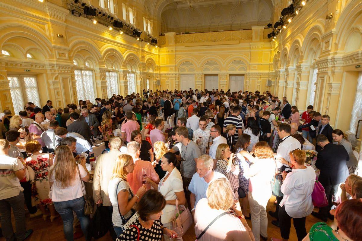El vino de Rioja revoluciona la Plaza Roja de Moscú 2