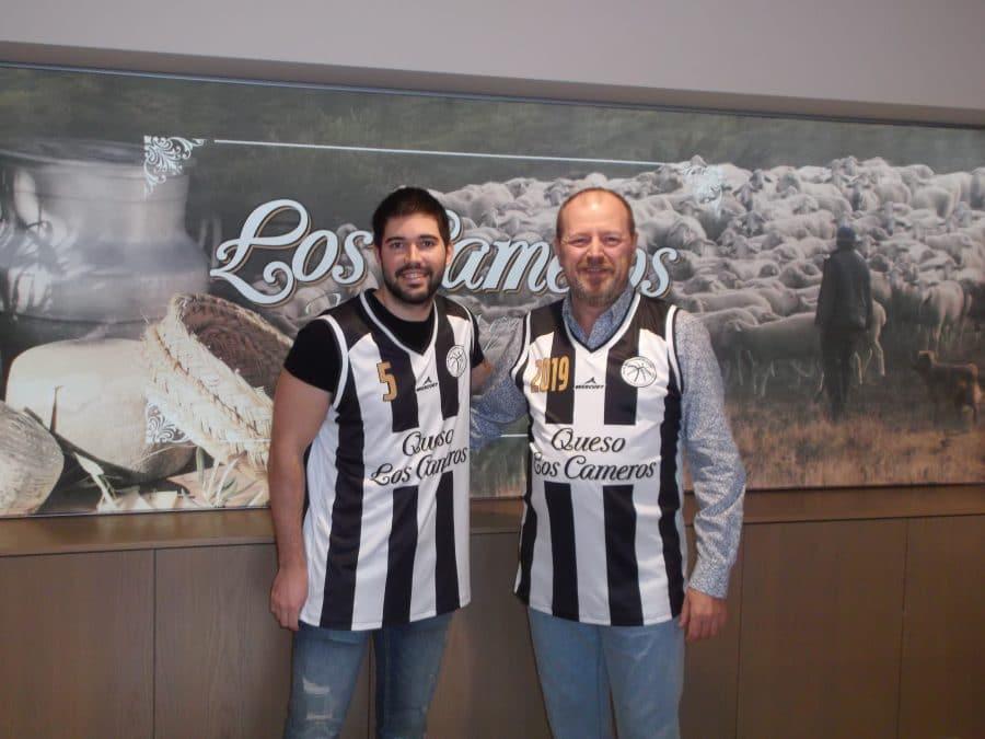 Los Cameros de baloncesto homenajea al Haro Deportivo con su nueva camiseta 1