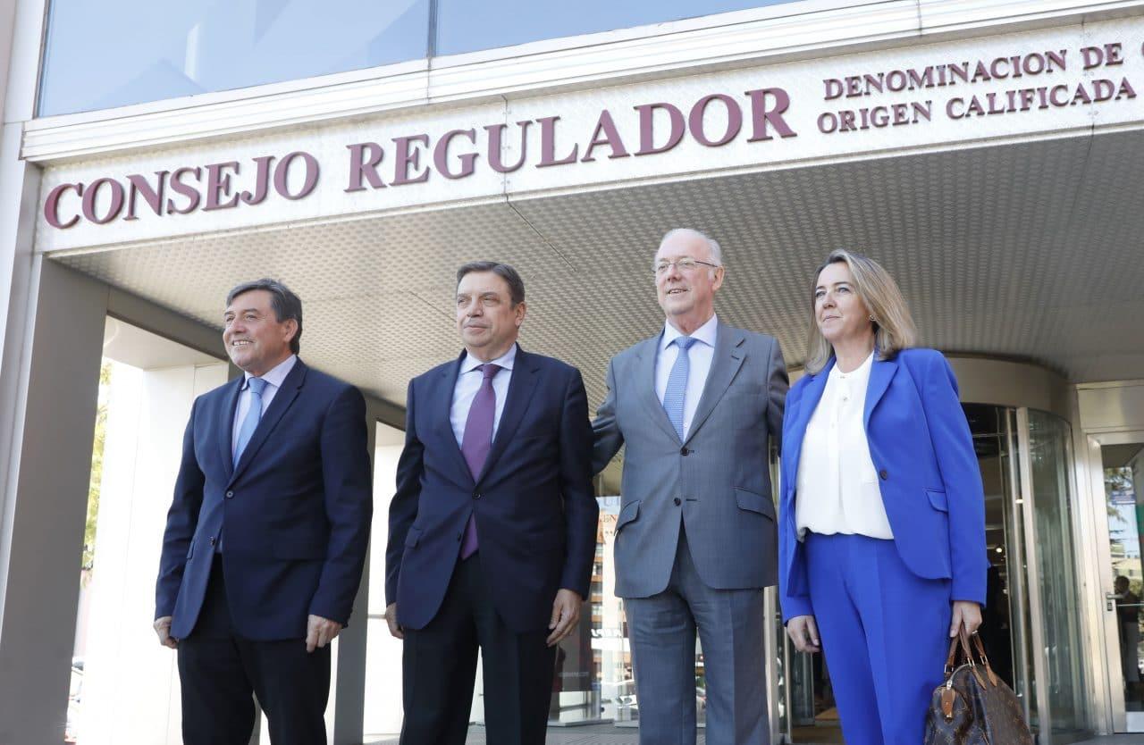 Los primeros viñedos singulares de Rioja reciben el reconocimiento del ministro Planas 2