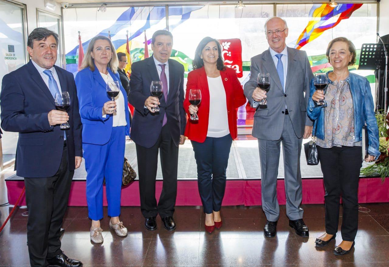 Los primeros viñedos singulares de Rioja reciben el reconocimiento del ministro Planas 1