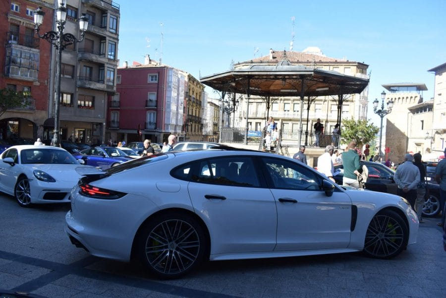 Pistoletazo de salida a la I Vuelta Porsche La Rioja desde Haro 5