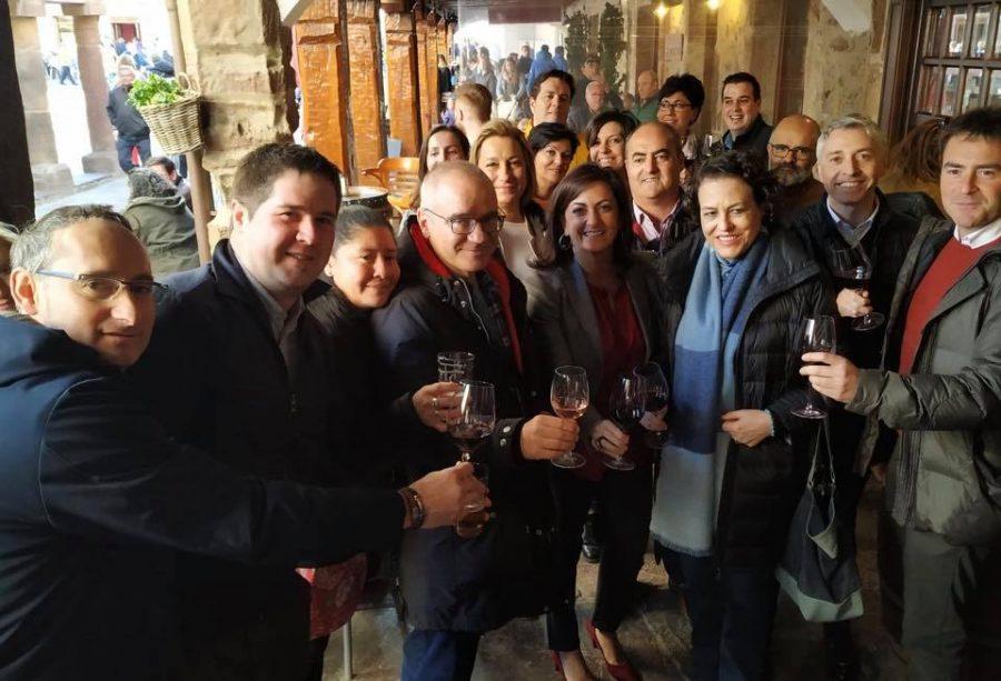 """La ministra de Trabajo visita en Ezcaray Euro Seating International: """"Un ejemplo de desarrollo e innovación"""" 2"""