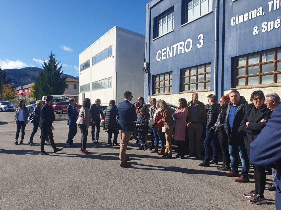 """La ministra de Trabajo visita en Ezcaray Euro Seating International: """"Un ejemplo de desarrollo e innovación"""" 8"""