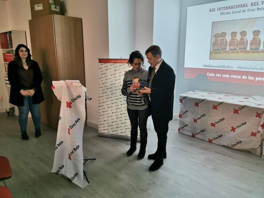 Cruz Roja Haro reconoce la labor de los voluntarios de Protección Civil y de Carmen Bacigalupe 4