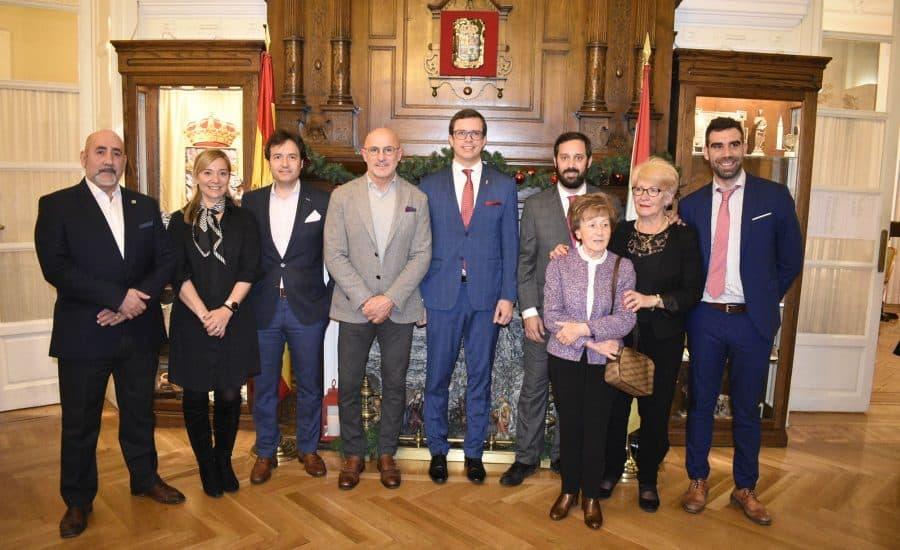 Luis de la Fuente recibe el Premio al Deporte del Centro Riojano de Madrid 2