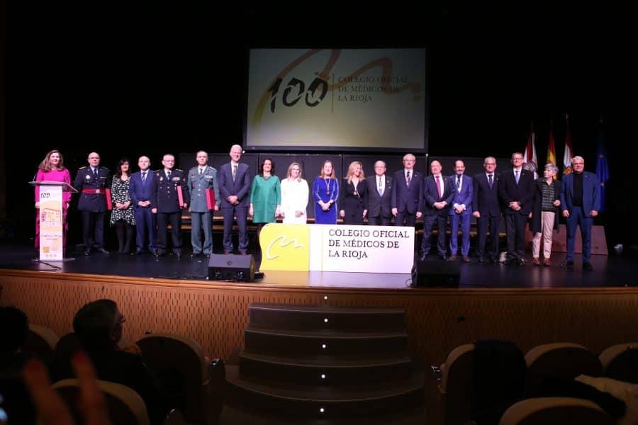El Colegio de Médicos de La Rioja ensalza la vanguardia de la medicina española en la gala de su centenario 1