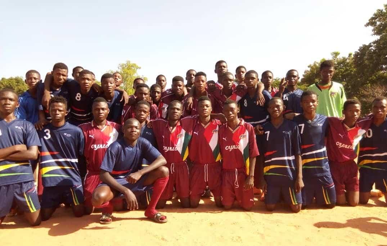 La Federación Riojana de Fútbol dona material deportivo a la Escuela de Fútbol Bên Kadi de Burkina Faso 1