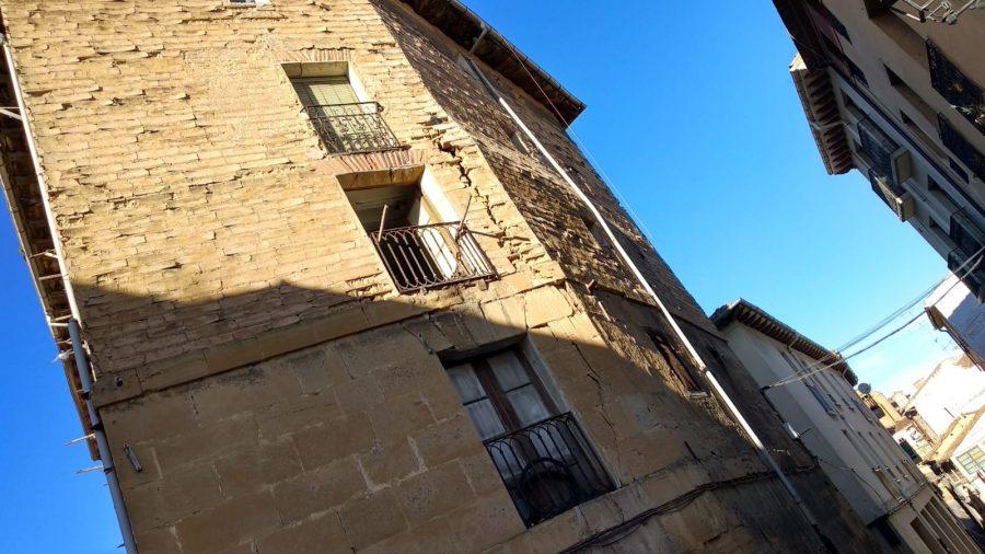 Cortan la calle Linares Rivas en Haro por peligro de derrumbe de un edificio 5