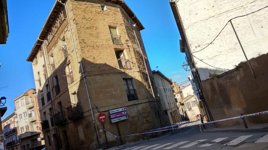 Cortan la calle Linares Rivas en Haro por peligro de derrumbe de un edificio 4