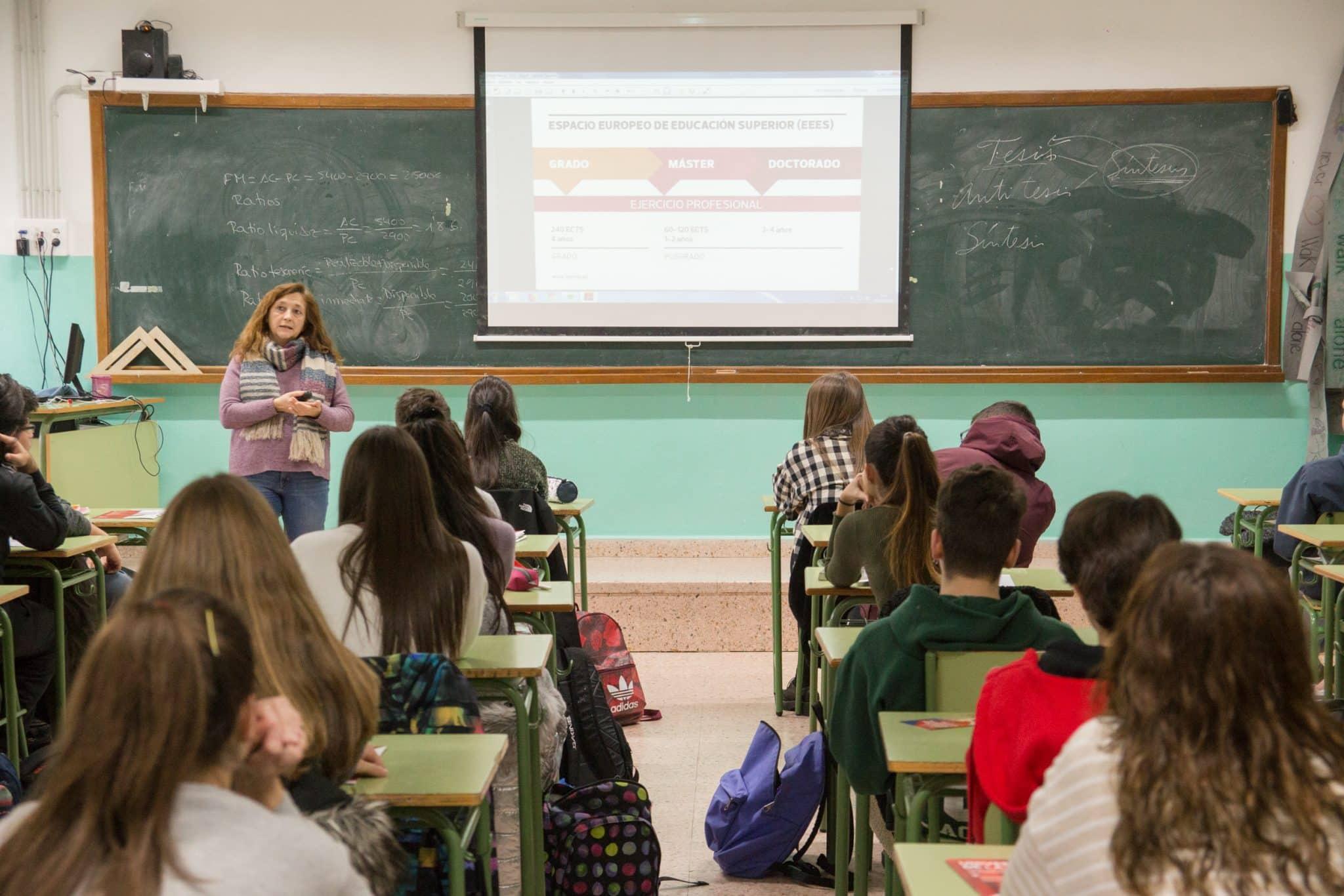 Sesión informativa de la UR este miércoles en el Colegio Menesianos de Santo Domingo 1