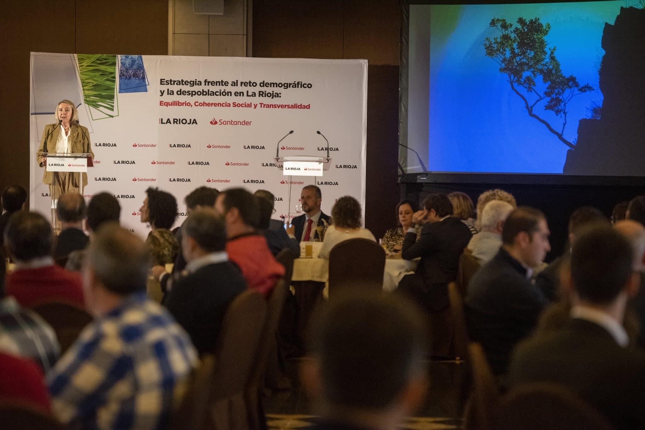 El Gobierno riojano busca un pacto regional ante la despoblación 2