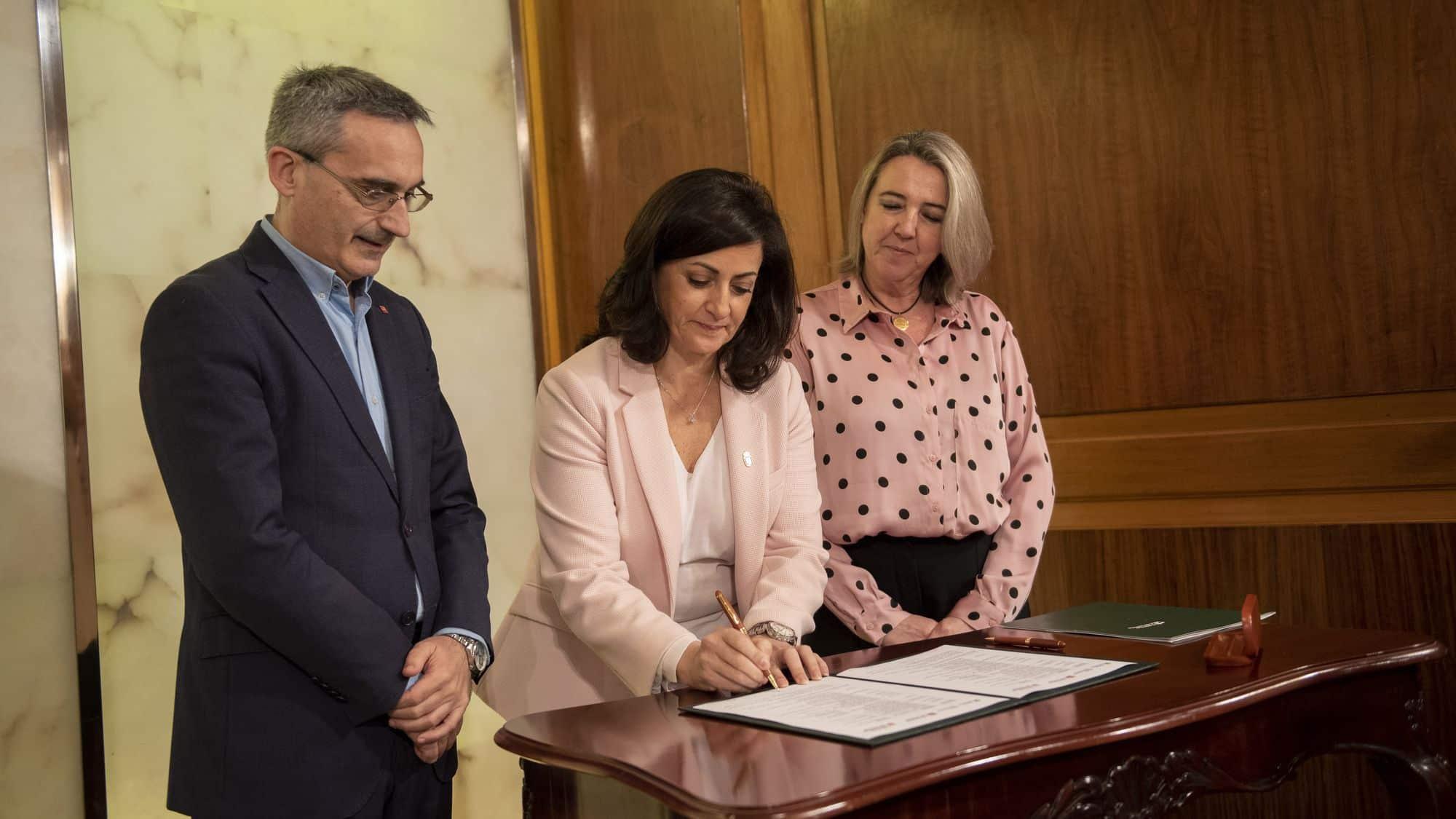 Gobierno de La Rioja y UR unen fuerzas para hacer frente al reto demográfico y la despoblación 2