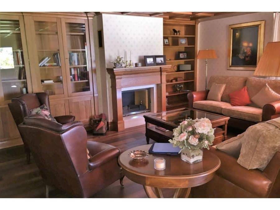 La casa más cara de La Rioja está en Santurde 3