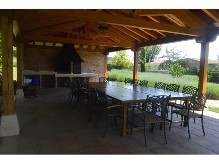 La casa más cara de La Rioja está en Santurde 2