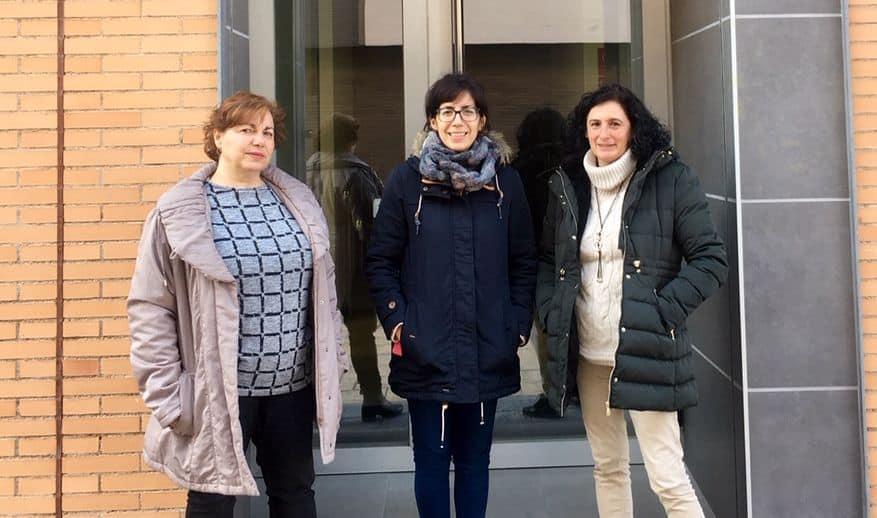 De izquierda a derecha, Ana Esther Agriano, nueva 'coach' de la Aceleradora de Empleo, Laura Rivado y Laura Belmonte, nueva agente de Promoción de Empleo Local | Foto: Prensa Ayuntamiento de Haro