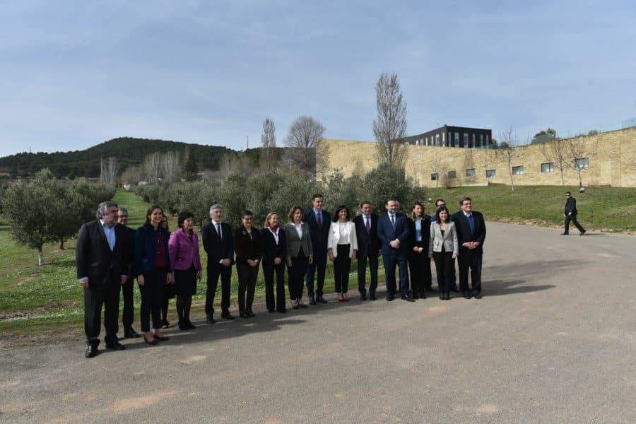 Andreu y Sánchez firman un acuerdo para convertir a La Rioja en capital digital del español 5