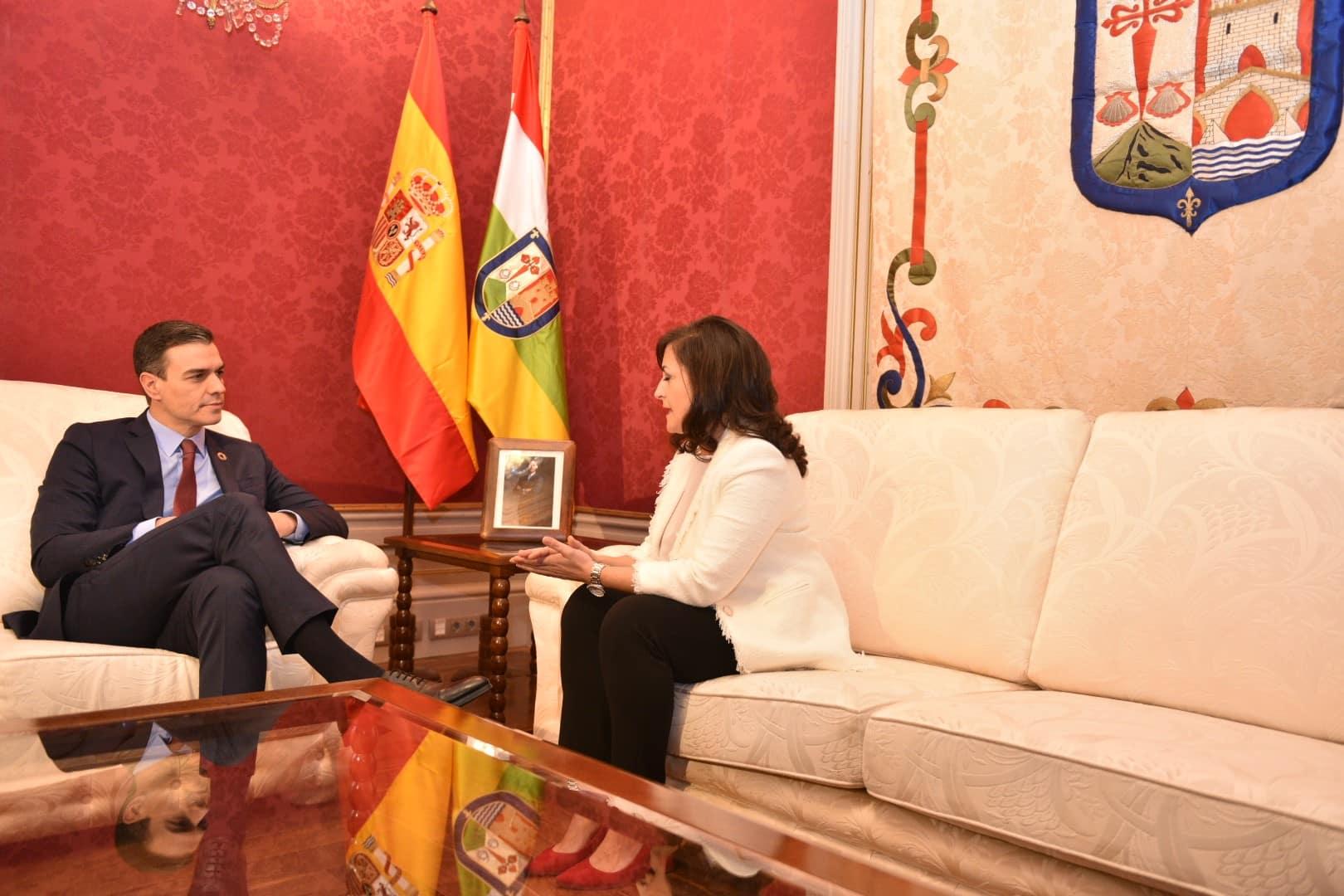 Andreu y Sánchez firman un acuerdo para convertir a La Rioja en capital digital del español 2