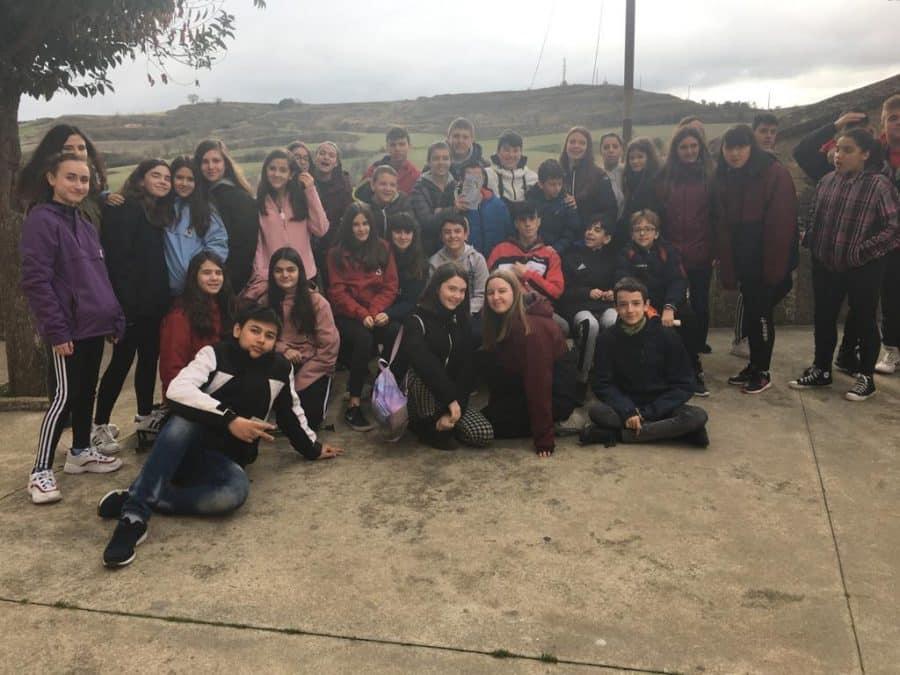 Alumnado del IES Rey Don García de Nájera visita el Centro del Románico de Treviana 1