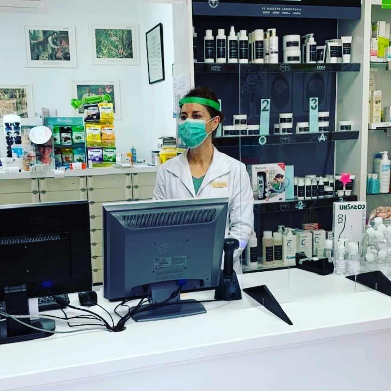 Mascarillas contra el coronavirus para las 650 personas que trabajan en las farmacias de La Rioja 1