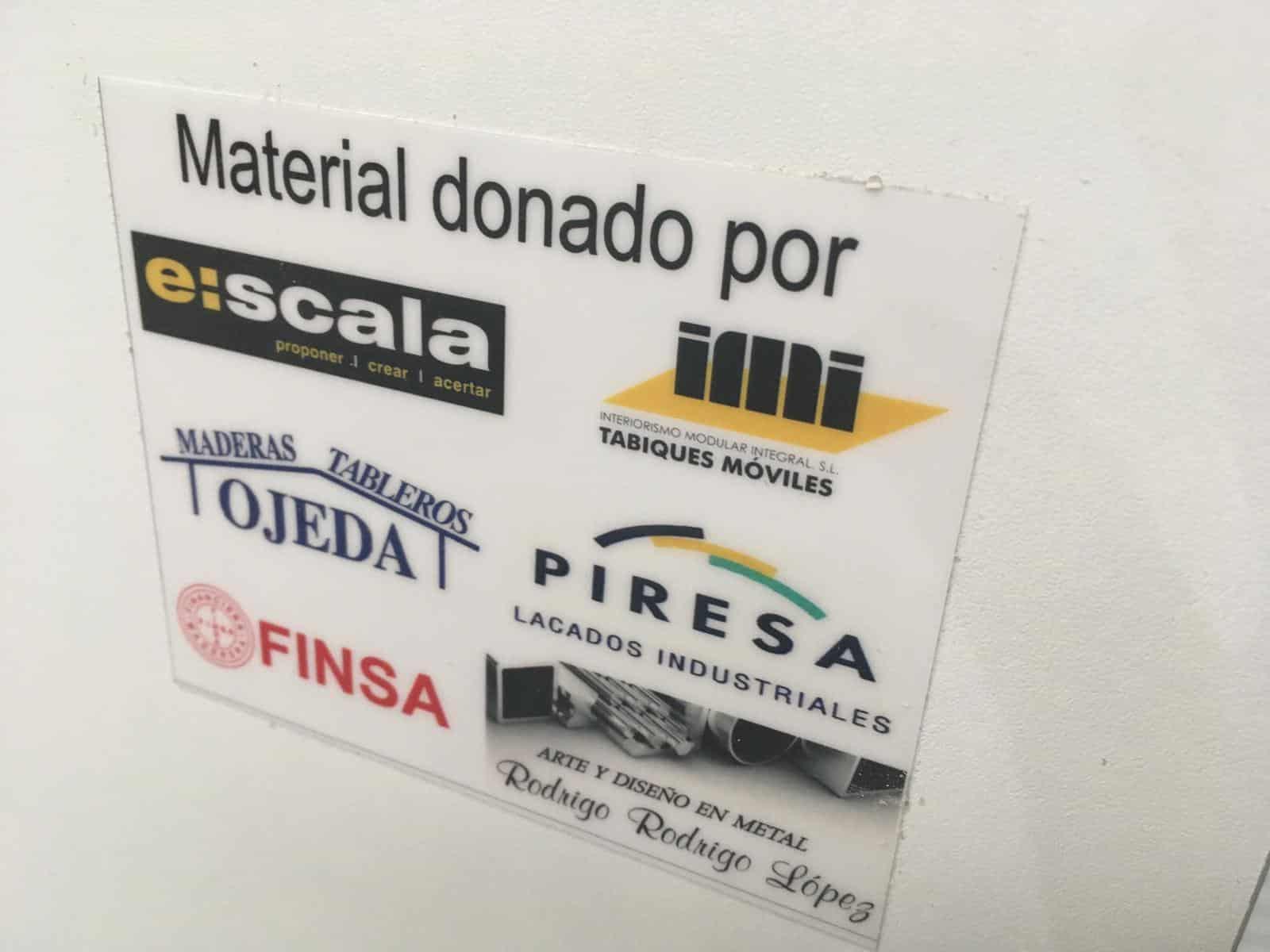 Seis empresas donan 80 biombos autoportantes al Hospital San Pedro de Logroño 1