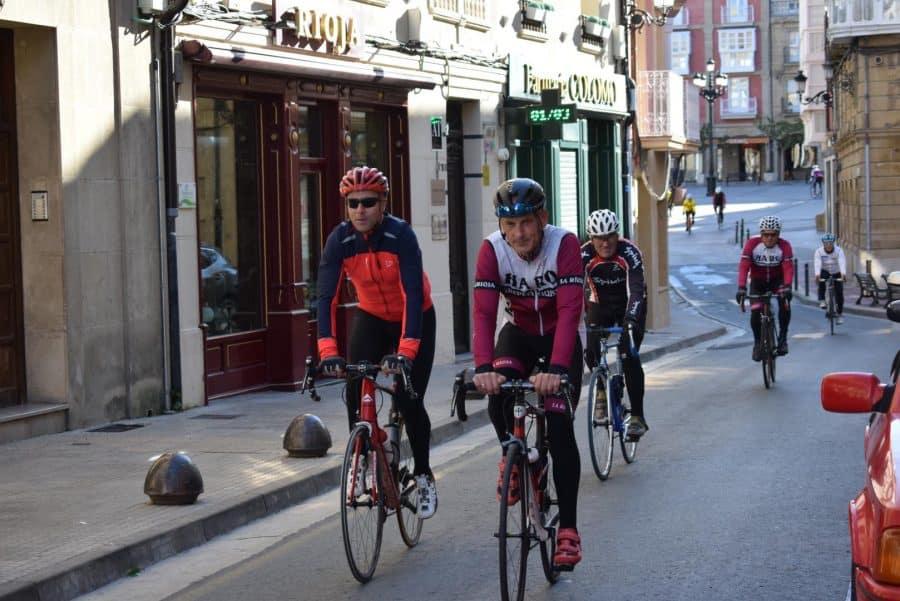 El pelotón del Club Ciclista Harense se echa a la carretera 3