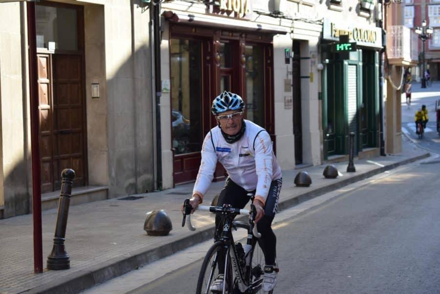 El pelotón del Club Ciclista Harense se echa a la carretera 4