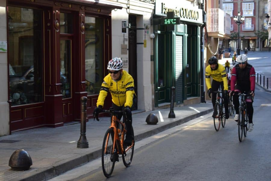 El pelotón del Club Ciclista Harense se echa a la carretera 5