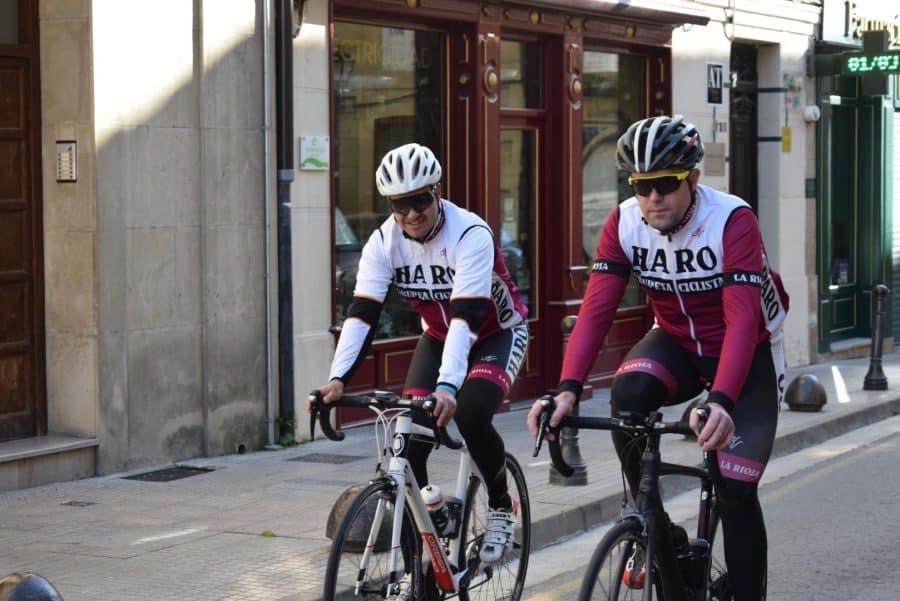 El pelotón del Club Ciclista Harense se echa a la carretera 8