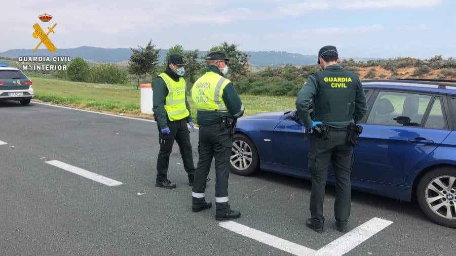 La Guardia Civil en La Rioja auxilia a una mujer de 74 años que sufrió una avería cuando volvía de la farmacia 1