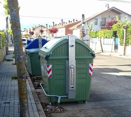 Anguciana renueva más de 70 contenedores de recogida de residuos 3