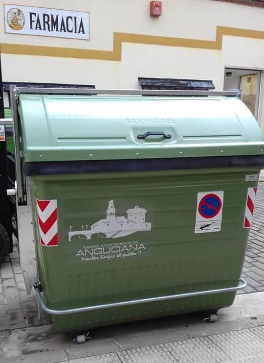 Anguciana renueva más de 70 contenedores de recogida de residuos 5