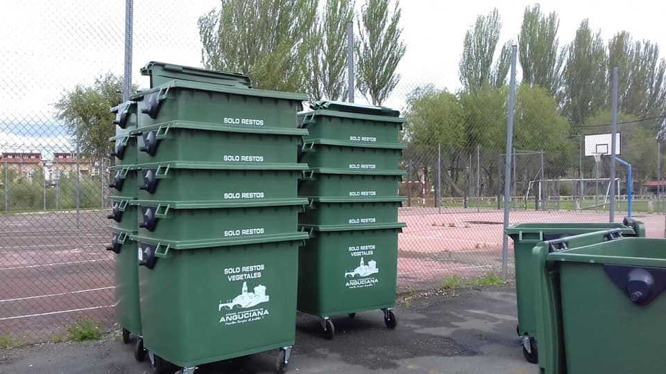 Anguciana renueva más de 70 contenedores de recogida de residuos 6